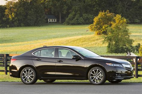 2015 Acura Tlx Makes The Middle Of The Pack Slightly More