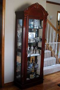 Nice curio cabinet! Home Sweet Home Decorating Ideas