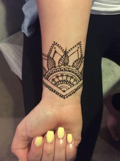 jaw dropping henna tattoo ideas   gotta