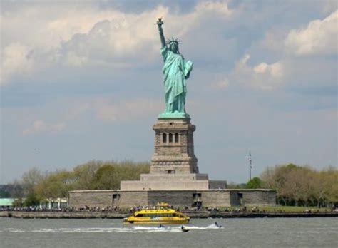 het vrijheidsbeeld foto vier op reis  amerika