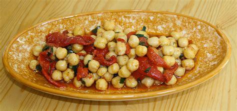 cuisine tunisienne ramadan salade de pois chiche et poivrons cuisine du maghreb