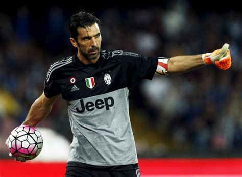Buffon Portiere by Ufficiale Juventus Gigi Buffon Prolunga Fino Al 2018