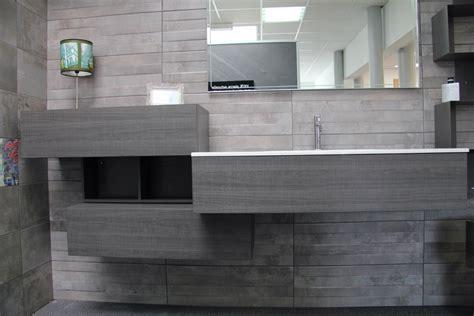 resine mur salle de bain salle de bain 187 r 233 sine carrelage salle de bain moderne design pour carrelage de sol et