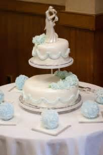 two tier wedding cake 2 tier floating wedding cake by cellascakes on deviantart