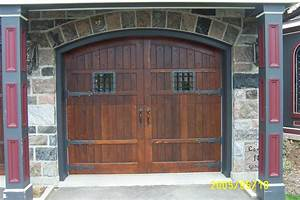 Carriage door carriage garage doors for Carriage type garage doors