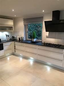 Küche Mit Granitarbeitsplatte : start a2 k chen center hannover altwarmb chen das ~ Michelbontemps.com Haus und Dekorationen