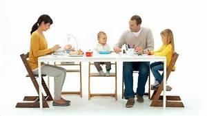 Trip Trap Stuhl : der tripp trapp von stokke bringt die familie zusammen youtube ~ Orissabook.com Haus und Dekorationen