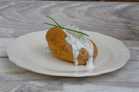 recette pomme de terre en robe de chambre pommes de terre en robe des chs la p 39 tite cuisine de