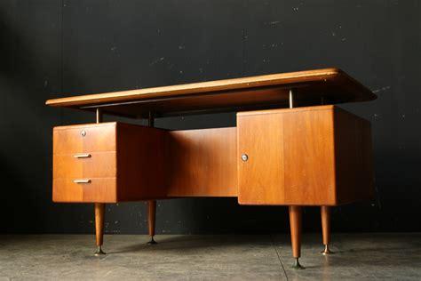 bureau vintage 馥s 50 a a patijn retro vintage eclectisch bureau jaren 50 dehuiszwaluw