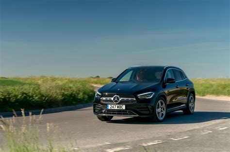 Discover the sleek and sporty gla suv. Mercedes-Benz GLA 220d 2020 UK review | Autocar