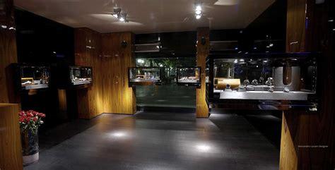 arredamento per gioielleria progettazione e realizzazione arredamenti per negozi di