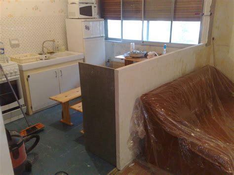construire un bar de cuisine cuisine en u avec fenetre et bar