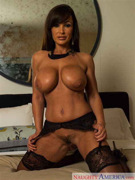 Lisa Ann Looks Great In Black Corset Milf Fox