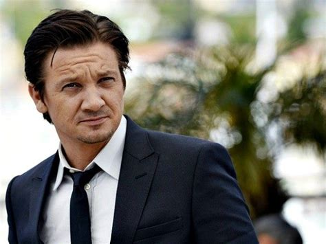 Jeremy Renner Wife Threatens Blackmail With Intimate Videos