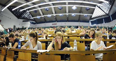 Test D Ingresso Universitari by Test Universitari Selezione O Negazione Diritto Allo