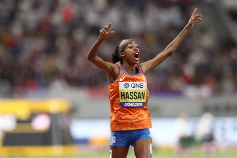 She won two gold medals at the 2019 world championships, in the 1500. Sifan Hassan Completes Historic 10,000/1,500 Double in Style With a 3:51.95!! - LetsRun.com