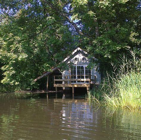 la cabane sur l eau maisons d h 244 tes de caract 232 re
