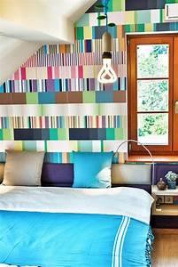 Bett Mit Ablagefläche : betttkopfteil mit farbigem stoff beziehen und kleinen nachttisch darauf wohnideen f rs ~ Sanjose-hotels-ca.com Haus und Dekorationen