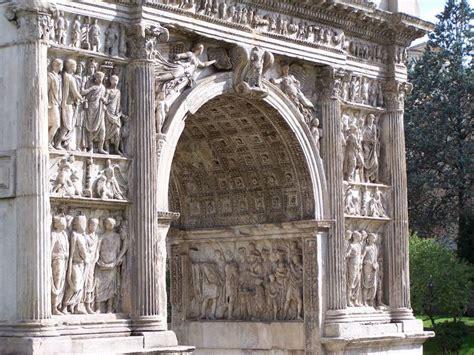 los arcos de triunfo  las columnas romanas arkipluscom