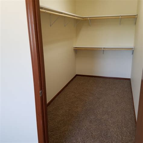 844 e loos st hartford wi apartment finder