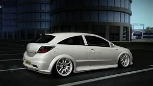 Autos Media  Vauxhall Astra Vxr Stance