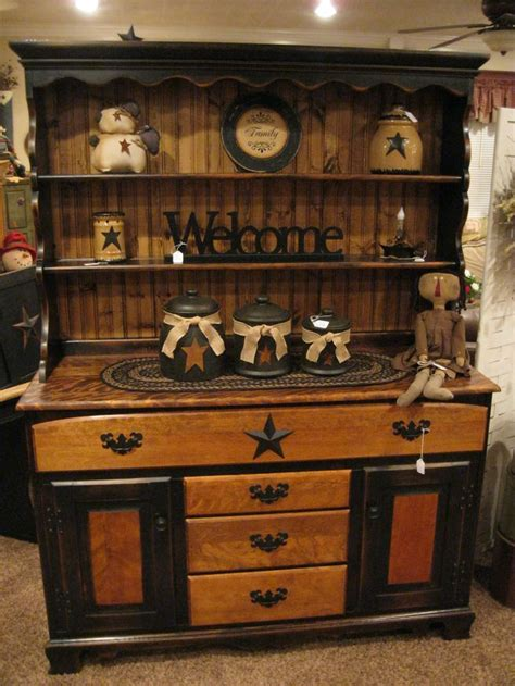 primitive kitchen decor best 20 primitive hutch ideas on country