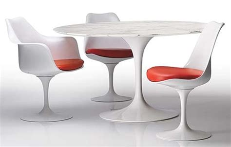 eero saarinen style tulip dining set 48 quot table and 4 chairs