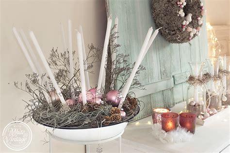 weihnachtsdeko auf holztablett deko und diy kreative ideen f 252 r ein sch 246 nes zuhause weihnachtsdeko aus naturmaterialien