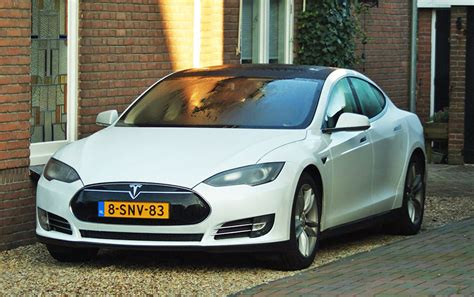 Tesla Model S Wikipedie