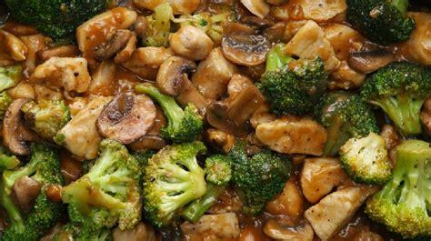 voici comment cuisiner un saut 233 au poulet et aux l 233 gumes un plat d 233 lectable