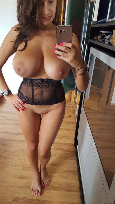 Busty Milf Taking A Selfie Photo Eporner Hd Porn Tube