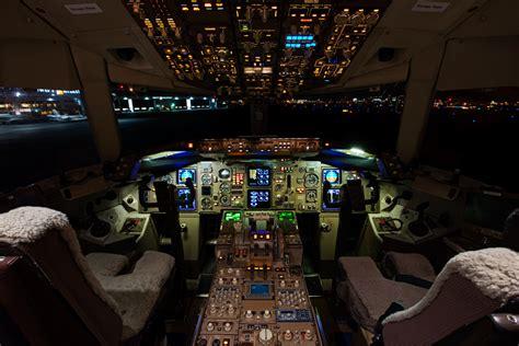 767 Cockpit | Cockpit on a Boeing 767. | CJPalmerPhoto ...
