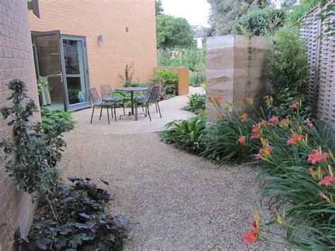 rammed earth feature wall  garden  cheltenham