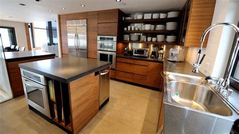 inox cuisine cuisine moderne en bois et inox maison begge
