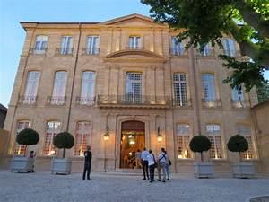 Hotel Caumont Aix En Provence : something new under the sun the hotel caumont in aix en ~ Carolinahurricanesstore.com Idées de Décoration