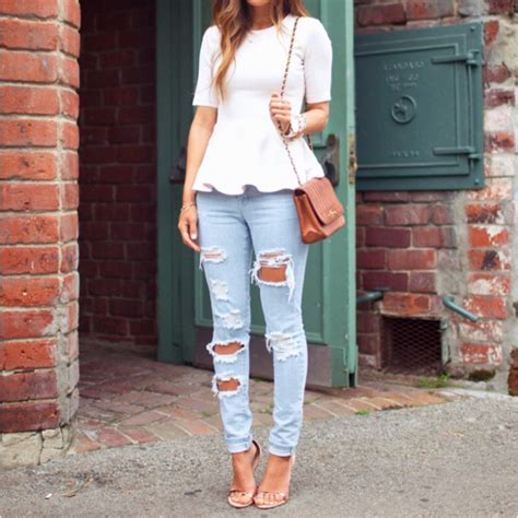 Light Blue Jeans White Beige / Nude Brown Outfit | Cute Clothes | Pinterest | Light blue ...