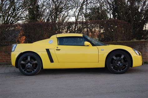vauxhall yellow used 2002 vauxhall vx220 16v lightning yellow for sale in