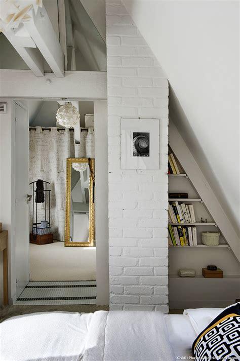 chambre toute blanche loft sous toit mezzanine vitrage atelier chambre
