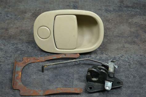 install glove box handle  saturn  series