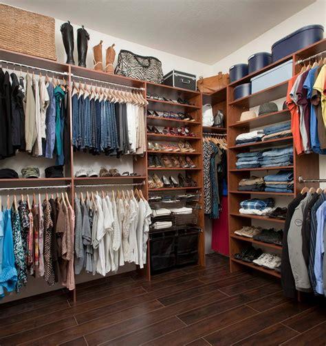 Closet Organization Ideas For Walk In Closets by Closet Organizers For Small Walk In Closets Home Design