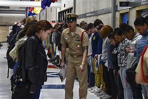 Navy Counselor New Recruits Arrive At Recruit Training Command Great