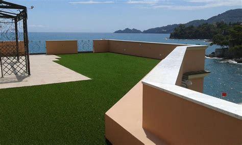 crea casa prato usa l erba sintetica per crea uno spazio originale ed elegante