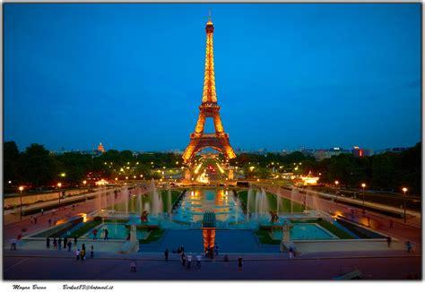 Valentines Special  Paris Travel Guide