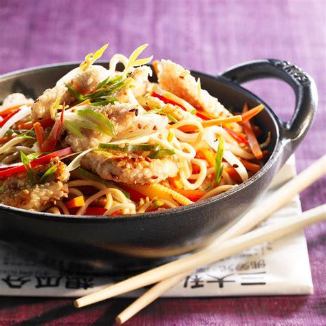 cuisine au wok poulet wok de poulet aux légumes facile et pas cher recette sur cuisine actuelle