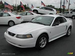 Oxford White 2003 Ford Mustang V6 Coupe Exterior Photo #39870807 | GTCarLot.com