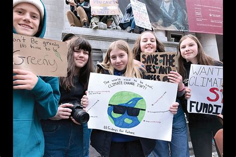 North Shore students cut class in protest of climate ...