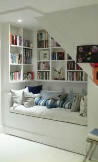 Kids Wall Mounted Bookcase by Les Meubles Sous Pente Solutions Cr 233 Atives
