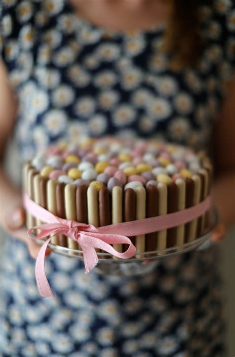chocolate mini egg easter cake scarletscorchdroppers