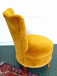 Petit Fauteuil Jaune : petit fauteuil crapaud velours r tro vintage brocnshop ~ Teatrodelosmanantiales.com Idées de Décoration