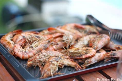cuisiner des crevettes cuites recette de gambas marinées cuites à la plancha